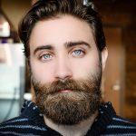 Forfora della barba: sintomi e rimedi di un fastidioso inestetismo